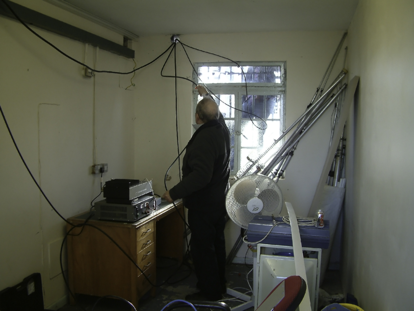 Howard G3NZL Locating Co Axial cables Inside repeater shack Stenbury January 2006